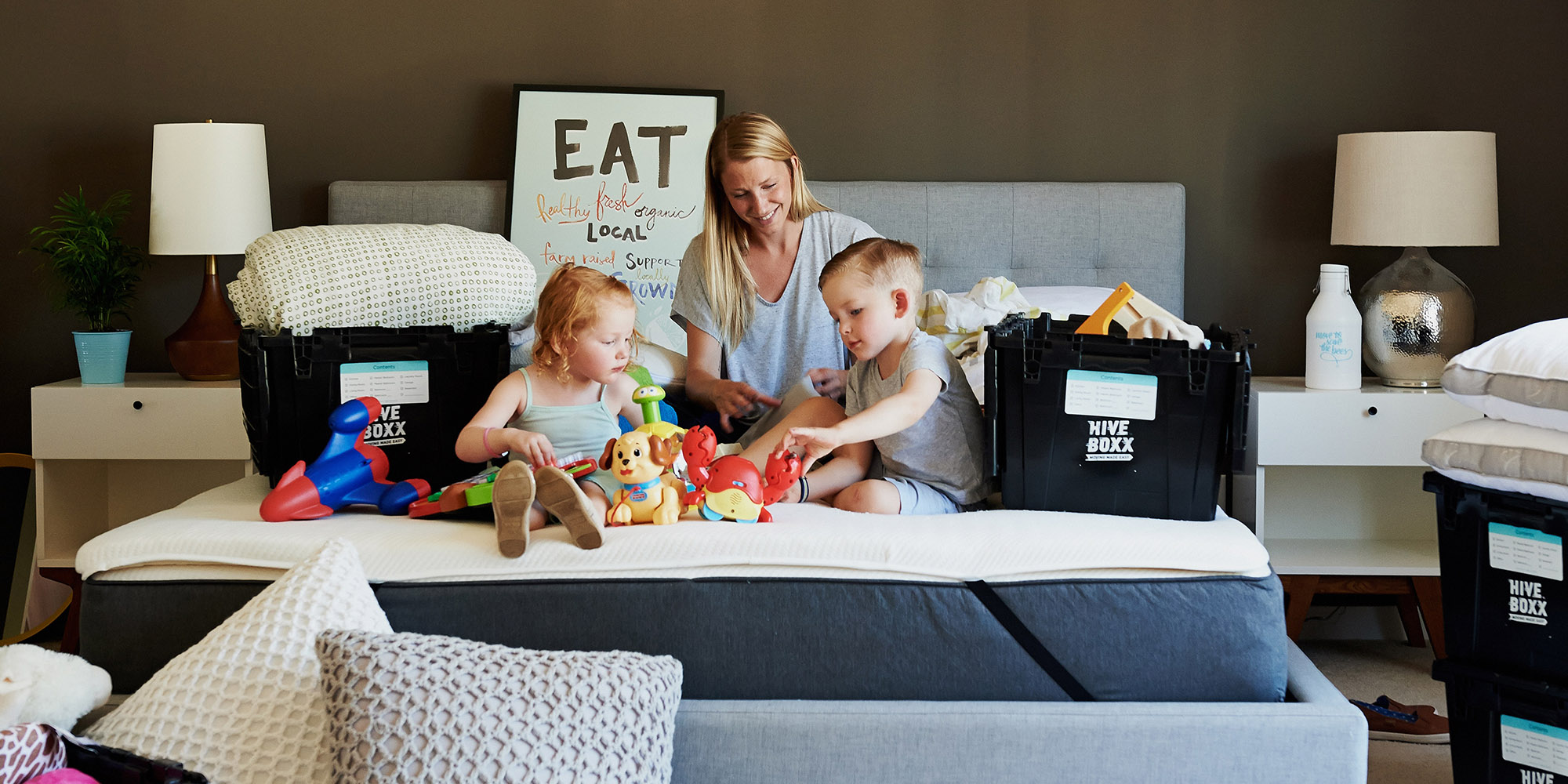 A family unpacking to represent home mover mortgage in Stirling and Alloa